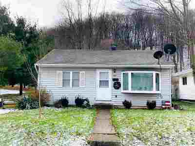 Mishawaka Single Family Home For Sale: 2303 Panama Street
