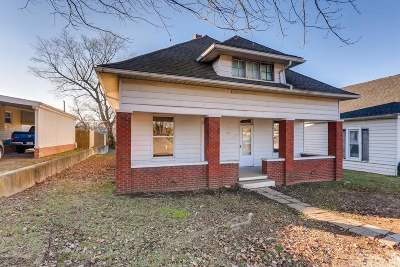 Boonville Single Family Home For Sale: 1011 S Third Street