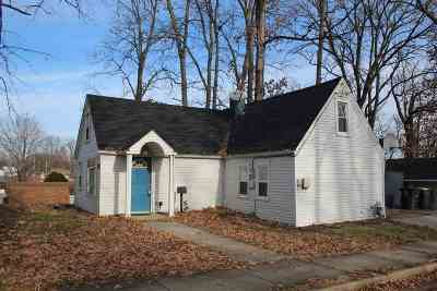 Fort Wayne Single Family Home For Sale: 2502 Poinsette Drive