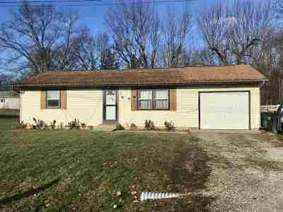 Plymouth Single Family Home For Sale: 122 Candy Lane