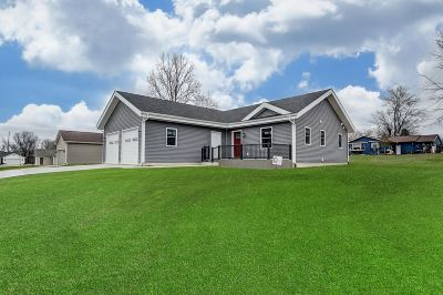 LaGrange County Single Family Home For Sale: 0275 N 020 W