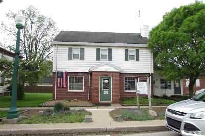 Columbia City Multi Family Home For Sale: 118 E Van Buren Street