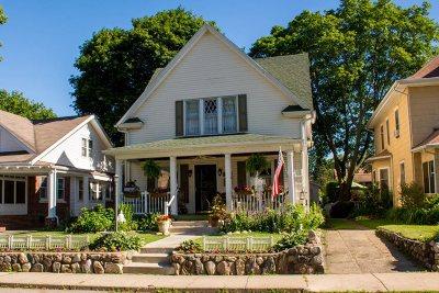 Mishawaka Single Family Home For Sale: 916 Washington Avenue