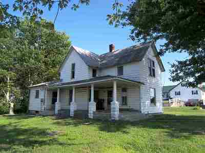 Syracuse IN Single Family Home For Sale: $70,000