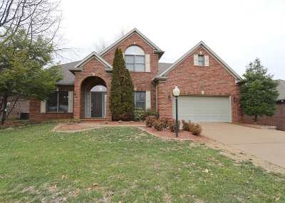 Newburgh Single Family Home For Sale: 1999 Olde Mill Court