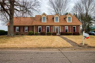 Newburgh Single Family Home For Sale: 10422 Shawnee Drive
