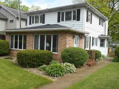 Plymouth IN Single Family Home For Sale: $299,000
