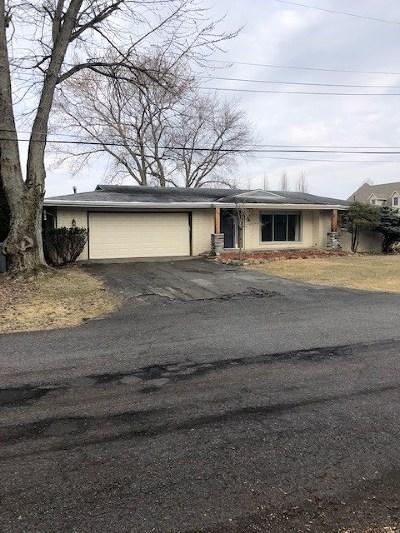 Kosciusko County Single Family Home For Sale: 939 Country Club Lane