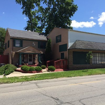 Allen County Single Family Home Cont-Accptngbackupoffers: 2155 Fairfield Avenue