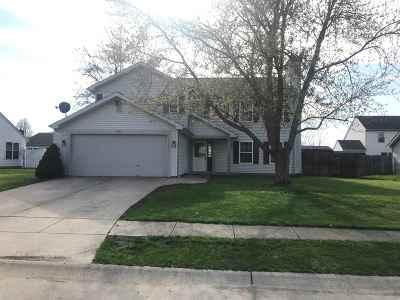Dayton Single Family Home For Sale: 656 Harrison Circle