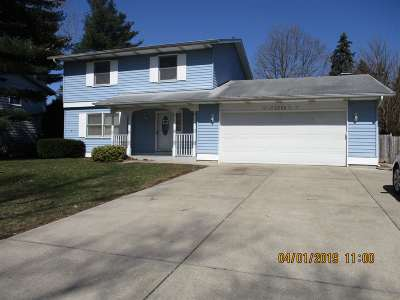 Elkhart Single Family Home For Sale: 2338 Sylvan Lane