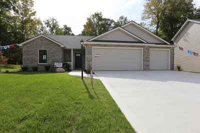 Noble County Single Family Home For Sale: 401 Cranberry Run
