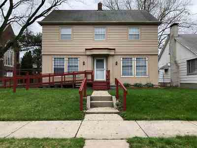 Allen County Single Family Home For Sale: 2940 S Anthony Boulevard
