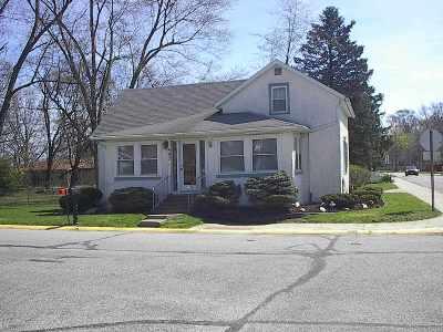 Auburn Single Family Home For Sale: 402 E Eckhart Street