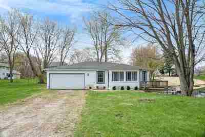 Kosciusko County Single Family Home For Sale: 61 Ems D17 Lane