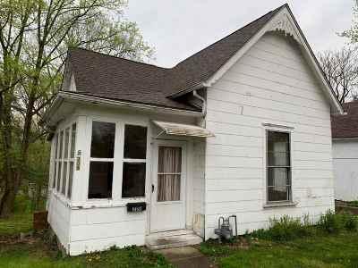 Jonesboro Single Family Home For Sale: 208 S Main St Street