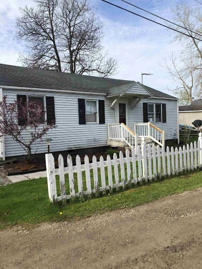 Kosciusko County Single Family Home For Sale: 61 Ems B 12 Lane