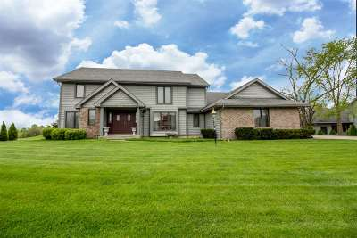 Fort Wayne Single Family Home For Sale: 7232 Wintergreen Drive