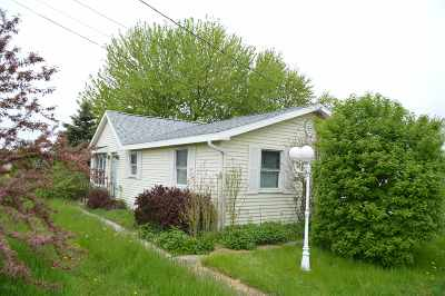 Mishawaka Single Family Home For Sale: 12747 Douglas Road