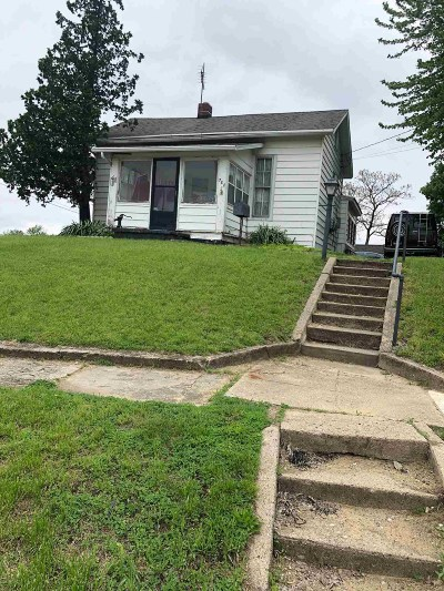Warsaw IN Single Family Home For Sale: $125,000