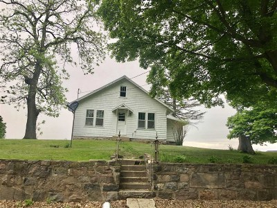 Culver IN Single Family Home For Sale: $125,000