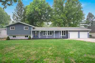 Mishawaka Single Family Home For Sale: 16470 Ronnies Drive