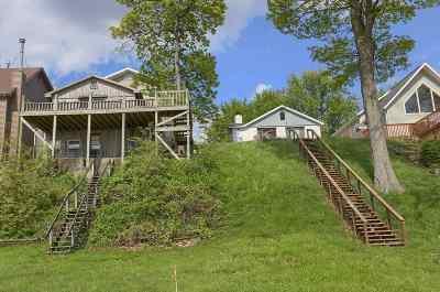 Warsaw Single Family Home For Sale: 737 Chapman Lake Dr