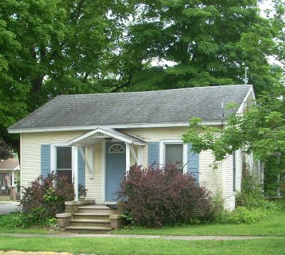 Marshall County Single Family Home For Sale: 122 E Adams Street
