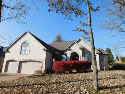 Newburgh Single Family Home For Sale: 1855 Olde Mill Court