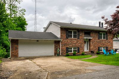 Newburgh Single Family Home For Sale: 200 Posey Street