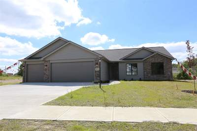 Whitley County Single Family Home For Sale: 659 N Long Ridge Road