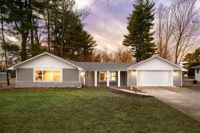 South Bend Single Family Home For Sale: 55093 Country Club Road