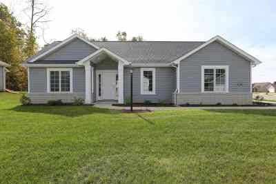 Avilla Single Family Home For Sale: 413 Cranberry Run