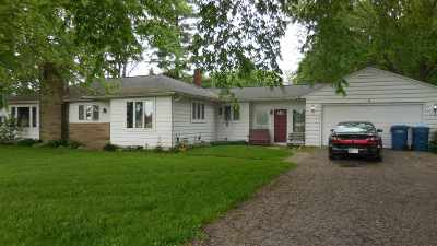 Fremont Single Family Home For Auction: 702 W Toledo Street