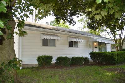 South Bend Single Family Home For Sale: 1361 E Ireland Road