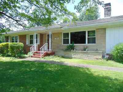 Evansville Single Family Home For Sale: 3000 Oak Hill Road