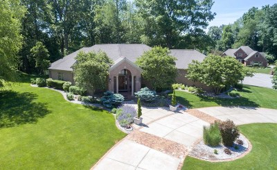 South Bend Single Family Home For Sale: 26226 Woodsong Court
