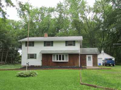 South Bend IN Single Family Home For Sale: $240,000