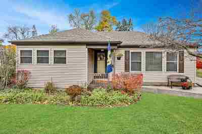 South Bend IN Single Family Home For Sale: $129,900