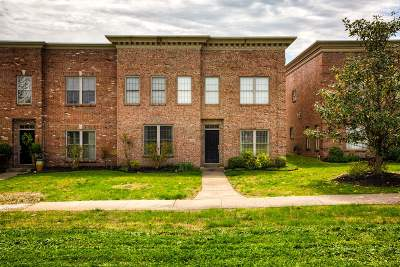 Newburgh Condo/Townhouse For Sale: 6170 Glenview Drive