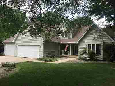 Plymouth IN Single Family Home For Sale: $297,500