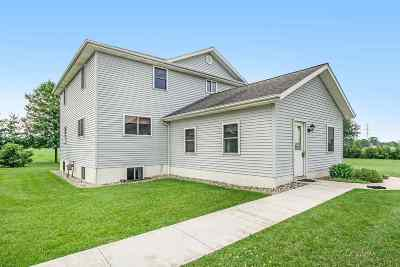 Kosciusko County Single Family Home For Sale: 13684 N 1050 W