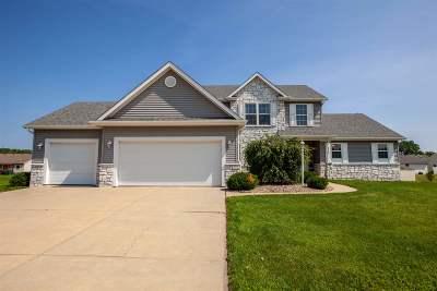 Mishawaka Single Family Home For Sale: 4218 Douthart Place