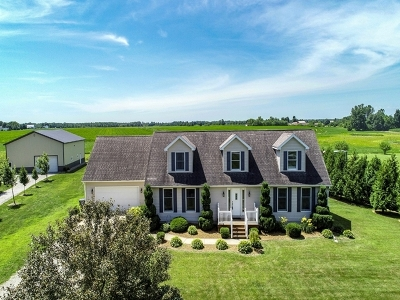 LaGrange County Single Family Home For Sale: 550 W 600N