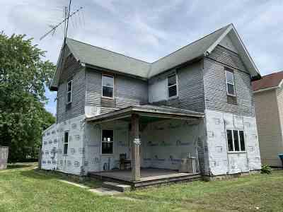 Huntington Single Family Home For Sale: 718 E Franklin Street