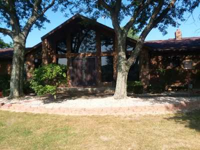 Plymouth Single Family Home For Sale: 2833 Oak Road