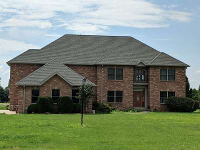 Frankfort IN Single Family Home For Sale: $389,999