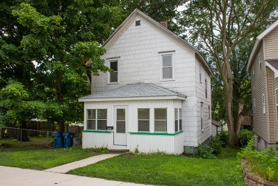 Mishawaka Single Family Home For Sale: 217 W Lawrence Street