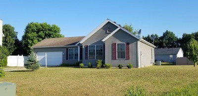 St. Joseph County Single Family Home For Sale: 111 Pine Trace Court