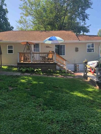 Kosciusko County Single Family Home For Sale: 706 N School Avenue